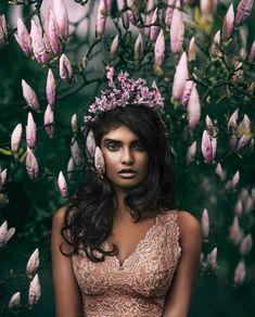 "Gefällt 1,183 Mal, 80 Kommentare - Rob Woodcox (@robwoodcoxphoto) auf Instagram: ""Queen of the blossoming forest  ✨Crew✨ Model: @priya_mareedu  Hair: @russell_gildedfox,…"""
