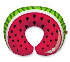 """watermelon neck pillow. """"Se quiser chamar atenção coloca uma melancia no pescoço""""   http://eatrio.net/2012/09/peeling-pineapples-and-wearing-watermelons.html"""