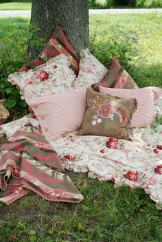 Inspired by the Chimayo Hills of New Mexico, Tasha Polizzi's Chimayo Home collection combines vintage florals and Native prints in a soft feminine color palette