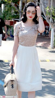 dita von teese- classy outfit