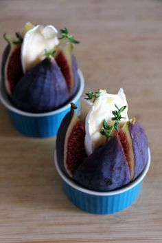 gebackene-feigen/ - The world's most private search engine Christmas Food Gifts, Xmas Food, Christmas Appetizers, Tapas, Fig Recipes, Dessert Recipes, Appetizer Buffet, Party Finger Foods, Food Design