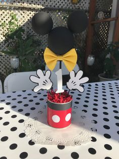 high chair decor for Mickey Mouse themed birthday party! Mickey Mouse Birthday Decorations, Theme Mickey, Mickey Mouse Centerpiece, Fiesta Mickey Mouse, Mickey Mouse Parties, Mickey Mouse Backdrop, Mickey Mouse Balloons, Minnie Mouse Birthday Invitations, Mickey Mouse Invitation