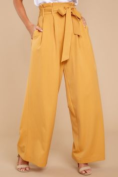 There's nothing like a form-fitting pair of pants, and from casual to dressy, denim to lounge, Red Dress has a wide selection of pleasing pants. Flowy Pants Outfit, Dressy Pants, New Outfits, Stylish Outfits, Summer Outfits, Casual Dresses, Casual Clothes, Work Clothes, Yellow Pants