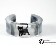 Bracelet Black Kitty resin cuff handcrafted beautiful by RESILIN