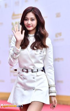 Twice-Tzuyu 171001 KMF Red Carpet