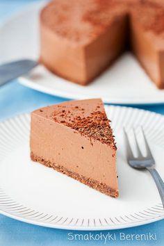 Sernik czekoladowy bez pieczenia na jogurcie greckim