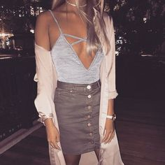 love this outfit for a girls night out