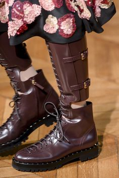 Valentino at Paris Fashion Week Fall 2017 - Details Runway Photos Sock Shoes, Shoe Boots, Shoe Bag, E Biker, Valentino Boots, Valentino Rossi, Trendy Womens Shoes, Clearance Shoes, Shoe Dazzle