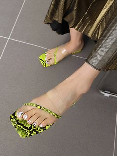 Mango Shoes, Make Money Now, Serpent, Toe Rings, Womens Slippers, New Friends, Clothes For Sale, Blue Brown, Color Yellow
