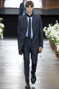 Dior Homme Spring 2016 Menswear Fashion Show