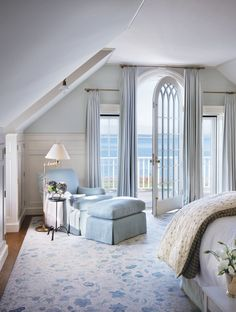 Victoria Hagan, beachfront bedroom, neutral blues