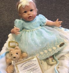 Linda Murray You Are So Beautiful Lifelike So Truly Real Baby Doll Ashton Drake Real Baby Dolls, Real Doll, Ashton Drake, You Are Beautiful, Reborn Babies, Doll Toys, Doll Clothes, Flower Girl Dresses, Ebay
