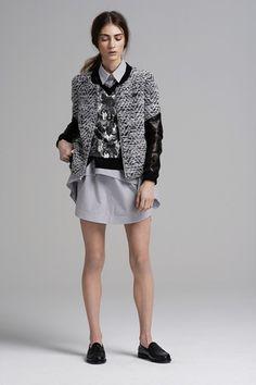 I want this blazer - more here: http://manicfashionista.blogspot.ro/2013/02/nyfw-fallwinter-2013-part-1.html#