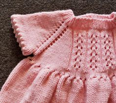 Free pattern-Cuddles DK Little Girl's Dress (detail)