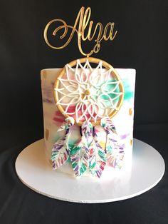 Dream Catcher Cake Pretty Cakes, Cute Cakes, Beautiful Cakes, Amazing Cakes, Bolo Hippie, Birthday Cake Girls, Birthday Parties, Dream Catcher Cake, Dream Catchers