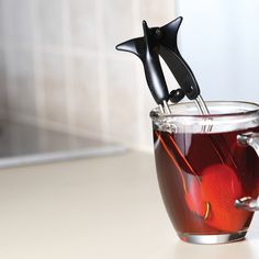 Amazing teabag that scoops the loose leaf tea and squeezes it. Love this!#Repin By:Pinterest++ for iPad#