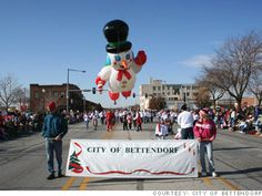 Bettendorf, Iowa is named out of 100 in CNN Money's 2011 Best Places to Live. Best Places To Live, Great Places, Cnn Money, Davenport Iowa, Thanksgiving Parade, Money Magazine, Quad Cities, Illinois