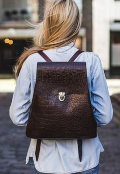 Brown leather backpacks and rucksacks by My Green Bag are stylish, durable for life on the go. Shop our entire selection of leather backpacks in brown and more colours. Satchel Backpack, Brown Leather Backpack, Green Bag, Crocodile, Fashion Backpack, Shopping Bag, Vintage Fashion, Backpacks, Stylish