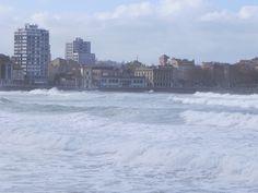 bebetecavigo. Playa de San Lorenzo, Gijón. Invierno.