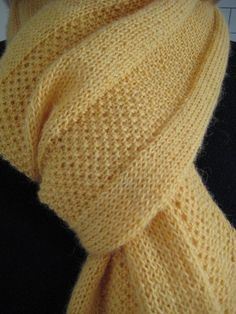 Free Pattern: Golden Windowpane Scarf by Hannah Ingalls - I like the stitch...maybe for a blanket