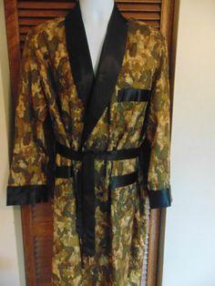 29.50 - Vtg Silk Smoking Jacket Robe Dressing Gown Majestic Mens Sz Med  Never Worn RARE d3c417b8f