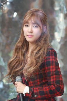Tiffany to Airport Kpop Girl Groups, Korean Girl Groups, Kpop Girls, Snsd Tiffany, Tiffany Hwang, Sooyoung, Yoona, Kpop Hair, Korean Star