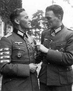historywars: Infantry Captain Erich Leffler and his 4 tank destruction patches