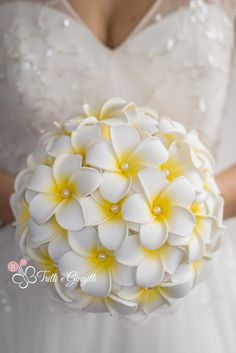 Bouquet yellow frangipani plumeria by Trilli e Gingilli