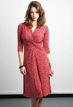 The Berry Dress With This Cheery Red Abstract Print Is A Flirty Fun Style For Women Ger Busts