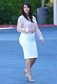 Kim Kardashian - Kim Kardashian Stays Busy in LA 2