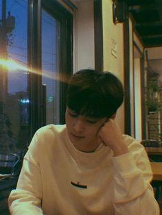 My baby ♥️ Pink Things pink color kitchen design Suho, Fake Instagram, Kim Myungsoo, Astro Wallpaper, Wallpaper Lockscreen, Wallpapers, Cha Eunwoo Astro, Handsome Korean Actors, Kim Dong