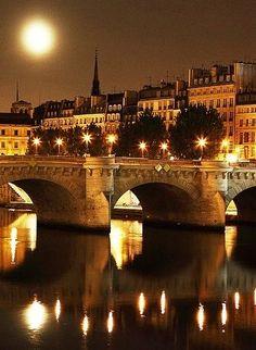 ..La Seine, Paris...