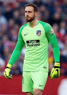 SEVILLE, SPAIN - JANUARY Jan Oblak of Atletico de Madrid looks on during the La Liga match between Sevilla FC and Club Atletico de Madrid at Estadio Ramon Sanchez Pizjuan on January 2019 in Seville, Spain. (Photo by Quality Sport Images/Getty Images) Buffon Goalkeeper, Marc Andre, Seville Spain, Sports Images, Soccer Players, That Look, Football, Soccer, Fo Porter