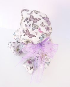 So cute... Ένας Αρκούδος... Αξιαγάπητος ♥♥♥ και Μοναδικός ! #JustOnePiece Έχει γίνει κολάζ με πεταλούδες σε διάφορα χρώματα και μεγέθη, λουλούδια και λιβελούλες! Έχουν χρησιμοποιηθεί κόλλα και βερνίκι νερού, άοσμα και μη τοξικά !Η Διάσταση του είναι 18.5 cm x 15.5 cm και το Ύψος του 21 cm Ιδανικό για να διακοσμήσει βρεφικό και παιδικό δώματιο. Συνδιάζεται με την Κορνίζα και το Κερί...♥ #WeLoveDetails #JustOnePiece #WeLoveDecor #Handmade #ThePinkFeather Our Love, Children, Girls, Room, Fashion, Young Children, Toddler Girls, Bedroom, Moda