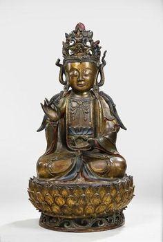 CHINE Important sujet en bronze anciennement doré, représentant la divinité Guanyin – Avalokitesvara, Chine,