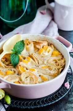 Zapiekanka naleśnikowa z nektarynkami i wanilią Ramen, Sweet Treats, Ethnic Recipes, Blog, Sweets, Cheer Snacks