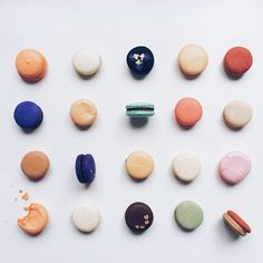 """""""#brigsmacs interpretation of Damien Hirst's 'Amylamine', 2014: #macarons on melamine.  Happy #macaronmonday! Featured: @themacfactory + @makmakmacarons. N.b. Please do not use my pictures without credit   tag   permission, thanks! ☺️"""" Photo taken by @brigadeirochoc on Instagram, pinned via the InstaPin iOS App! http://www.instapinapp.com (07/21/2014)"""