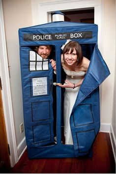 Doctor Who Wedding Themes - Bling, Accessories, Wedding Cakes and Decor! ::