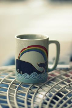 Glorious whale mug! Love whale mugs especially when the handle is the tail❤️