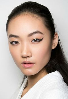 Fall Beauty Trend Forecast: The Biggest Hair & Makeup Trends for Fall 2015—Plus, How To Wear Them // Graphic winged liner