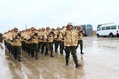 """ZIUA NAŢIONALĂ A ROMÂNIEI • DETAŞAMENTE PREZENTE LA PARADĂ • Batalionul 26 Infanterie • Anul acesta se împlinesc 20 de ani de când batalionului i-a fost acordat Drapelul de luptă, drapel care, de-a lungul timpului, a fost decorat cu Medalia Naţiunilor Unite, Ordinul """"Virtutea Militară"""" în grad de Cavaler cu însemn de război pentru militari, Emblema de Onoare a Forţelor Terestre, Emblema de Onoare a Armatei României cu însemn de război şi Emblema de Onoare a Statului Major General Thing 1, Camel, Competition, Military, Fire, Exercise, Train, Animals, Image"""