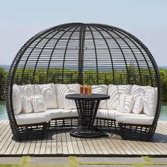 Modern outdoor daybed for the pool or a day bed with a canopy for the patio or outdoor room. Outside Furniture, Garden Furniture, Outdoor Furniture Sets, Outdoor Daybed, Outdoor Decor, Outdoor Spaces, Outdoor Living, Daybed Sets, Skyline Design