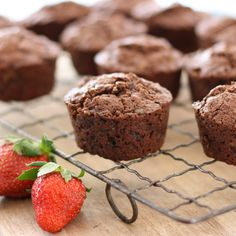 The perfect lunchbox treat? These chocolate, bran & zucchini muffins come close. Chocolate Zucchini Muffins, Healthy Blueberry Muffins, Baby Food Recipes, Sweet Recipes, Snack Recipes, Homemade Toddler Snacks, Toddler Food, Toddler Meals, All Bran