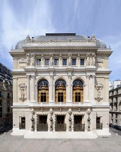 Opera comique, Paris - this is where the gypsies almost had us. Architecture Parisienne, Architecture Classique, Neoclassical Architecture, Baroque Architecture, Paris France, Canva Instagram, Fachada Colonial, Architecture Cool, Classic Building