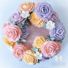 Floral/Flower Buttercream Cake 6 Wreath Style by BonaCeri on Etsy Gorgeous Cakes, Pretty Cakes, Amazing Cakes, Cupcakes Flores, Buttercream Flower Cake, Gateaux Cake, Floral Cake, Cake Decorating Tips, Sugar Flowers
