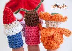 Magical Toadstool Finger Puppets Set - free crochet patterns on Mooglyblog.com!