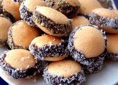 Nutellás piskótatallér Baking Recipes, Dessert Recipes, Desserts, Smoothie Fruit, Hungarian Recipes, Nutella, Muffin, Good Food, Food And Drink
