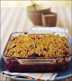 Blackberry Crisp Is The Only Dessert You Need This Summer - Southern Living Potluck Desserts, Dessert Recipes, Holiday Desserts, Holiday Cookies, Delicious Desserts, Yummy Food, Chocolate Caramel Cookies, Peanut Butter Kiss Cookies, Banana Pudding Poke Cake