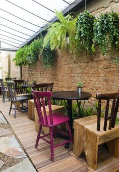 Ideas Outdoor Seating Area Floor For 2019 Outdoor Decor, Garden Cafe, Outdoor Cafe, Indoor Bamboo, Seating Area, Restaurant Seating, Indoor Plants, Outdoor Flooring, Outdoor Seating Areas