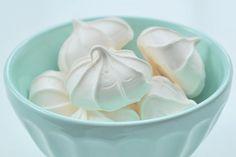 Recette de meringues au Thermomix TM31 ou TM5. Réalisez ce dessert en mode étape par étape comme sur votre Thermomix !